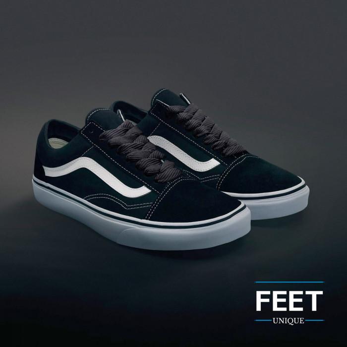 Extra wide dark gray shoelaces