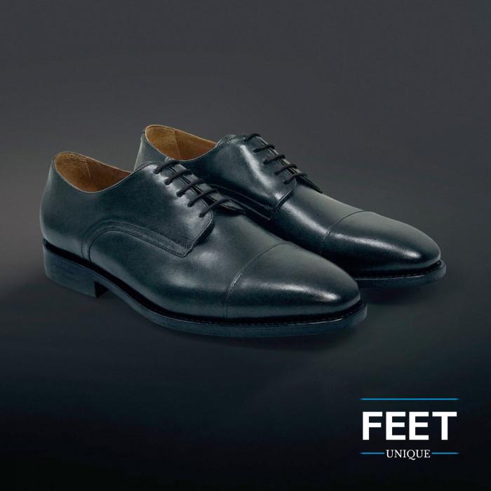round dress black shoelaces