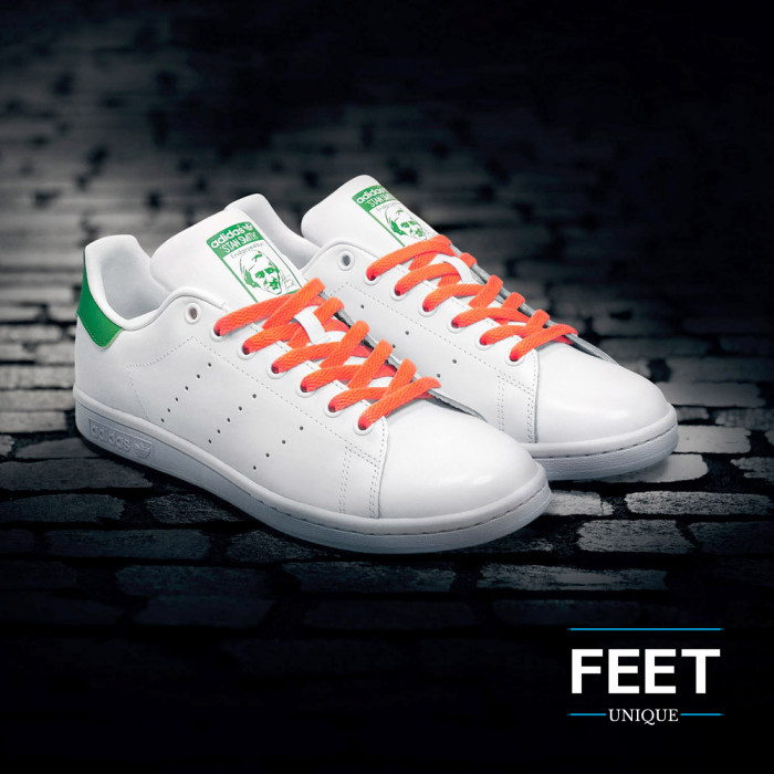 Flat neon orange shoelaces